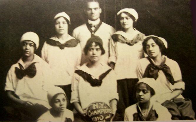 Negro Basketball New York Girls Cole Sisters Harlem Repro POSTCARD#200