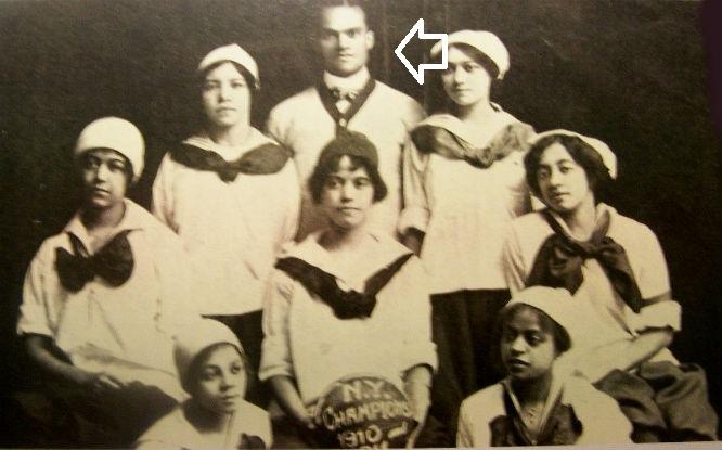 Negro-Basketball-New-York-Girls-Cole-Sisters-Harlem-Repro-POSTCARD200