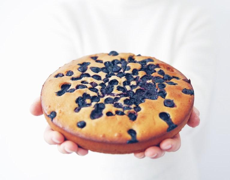 taart met blauwe bessen