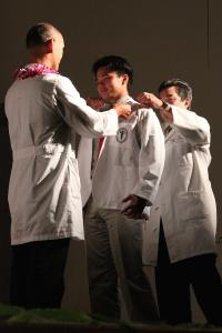 MD Student Michael Murayama of Kaimuki receives his White Coat.