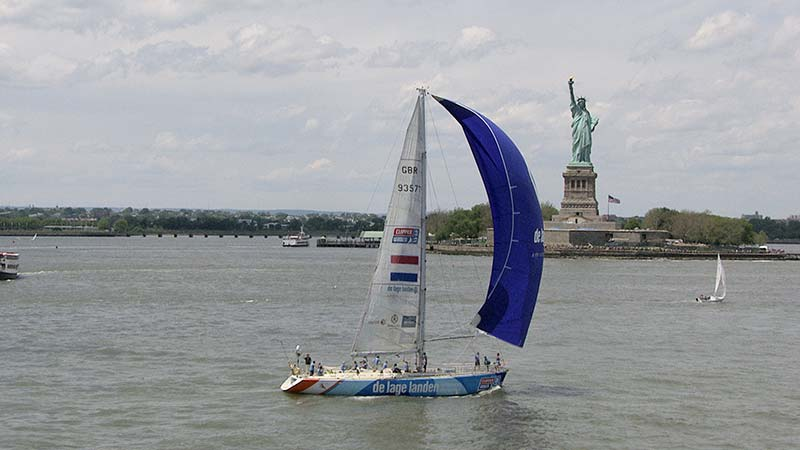 DeLage-Landen sailing into NY City