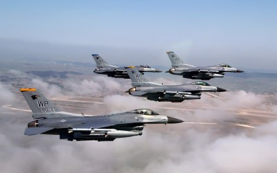 Formation of F 16 Fighting Falcons Wallpapers | HD Wallpapers | ID #5920