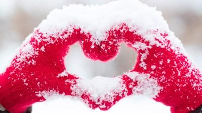 Love heart Snow Hands 5K Wallpapers | HD Wallpapers | ID #19740