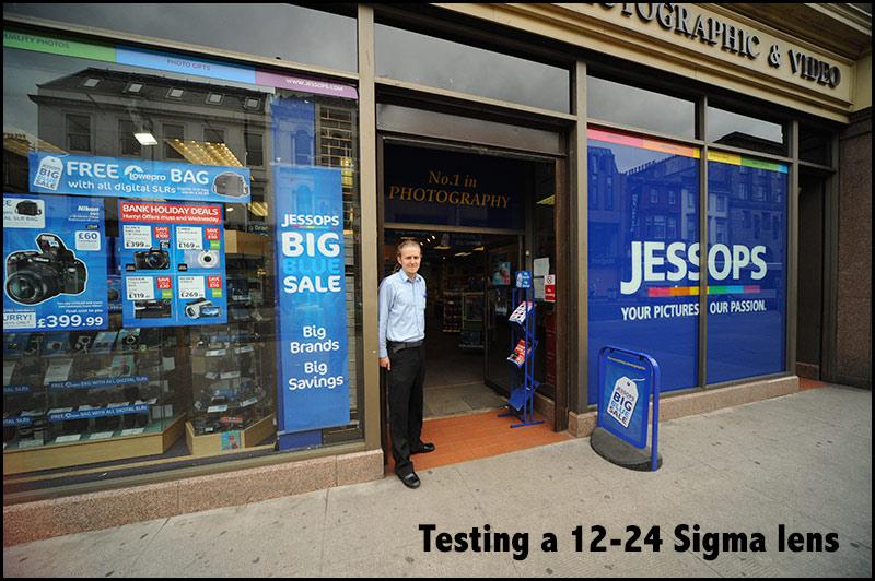 Jessops-testing-a-lens
