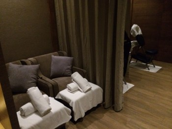 Plaza Premium Heathrow spa