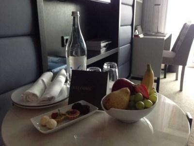 InterContinental Estoril review room fruit table desk