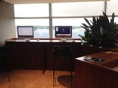 no-1-lounge-gatwick-south-computer