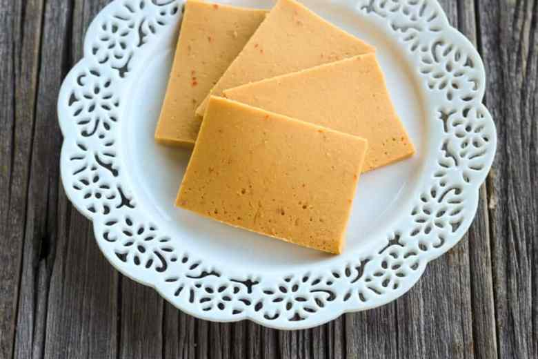Paleo Stef's Super Cheesy Garlic Bread