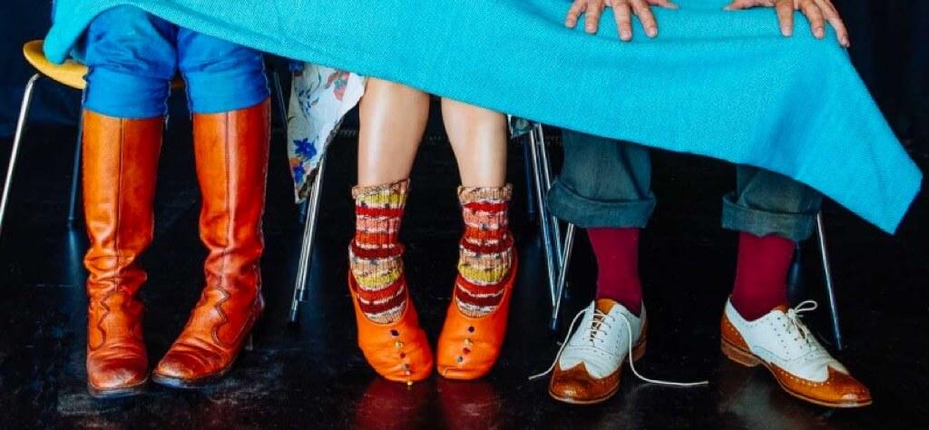 news-curious-shoes