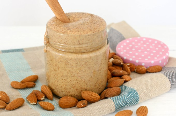 The best home made almond butter - gluten free, dairy free, vegan, plant based, healthy, refined sugar free - heavenlynnhealthy.com