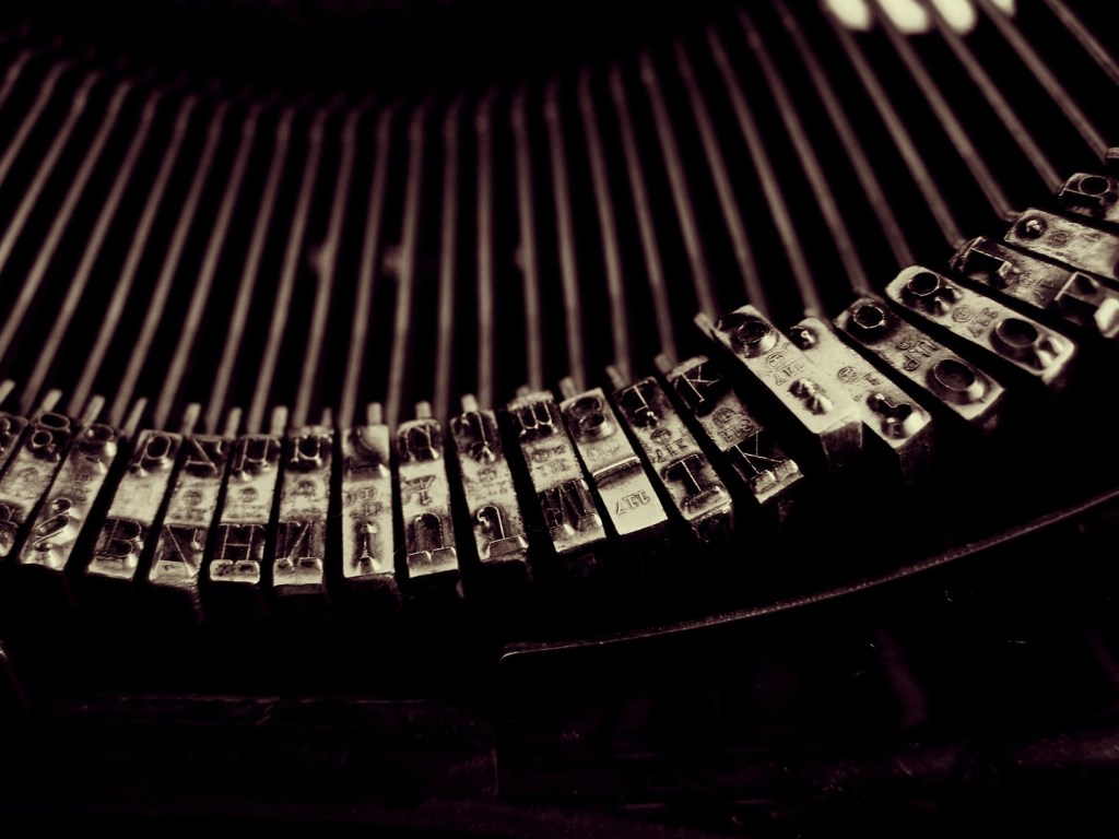 photo-Csabi-Elter-typewriter1b