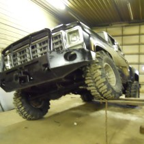 bumper Chevy pick-up k-10 boggers articulation