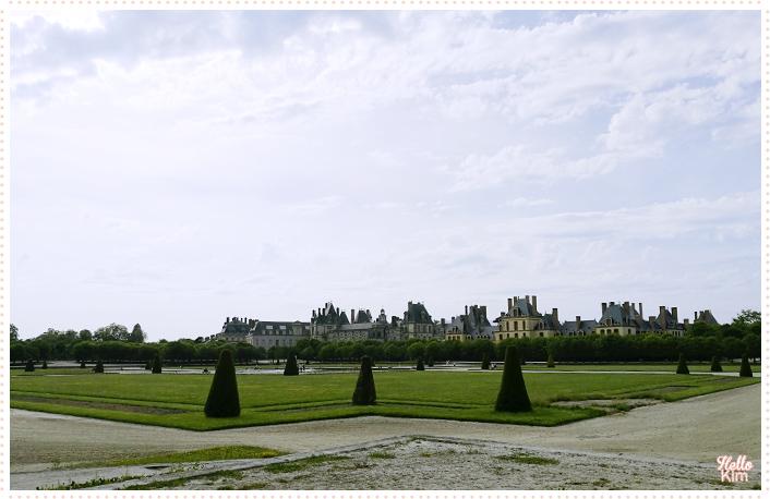 Chateau-Fontainebleau_Jardins_08_Hellokim