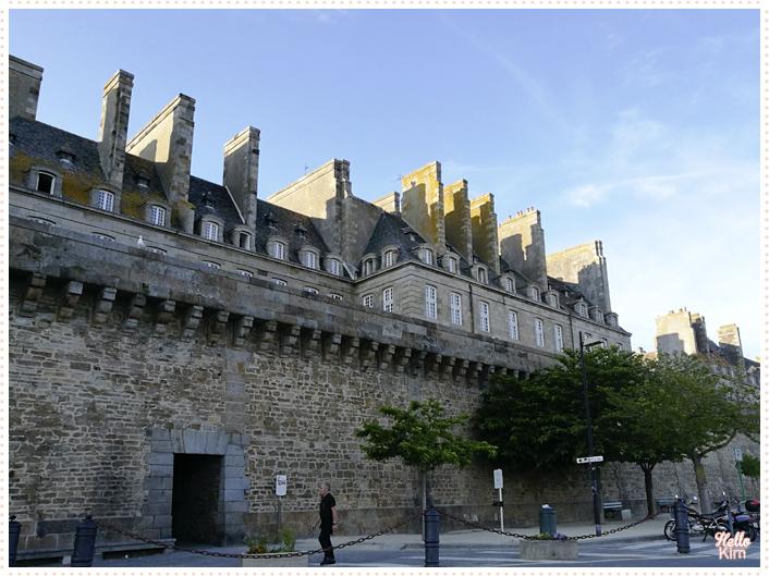 St-Malo_Les-remparts_07_HelloKim_072017