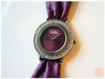 <span>Vide dressing</span> Montre Delta violet cadrant entouré de strass