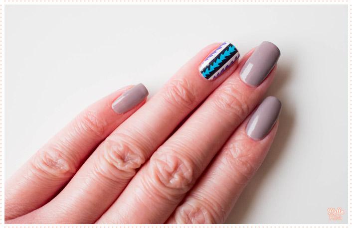 nail-strip-aztec_compulsive-nails_nail-art_hellokim_03