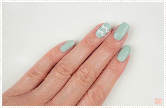 rayure-chevrons-stickers_nail-art_hellokim_02