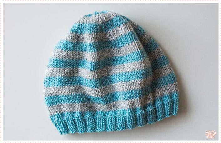 tricot-layette_bonnet_rayures-bleu-gris_hellokim1