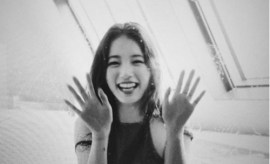 20151003_New_ Photos_ Of_ Miss A Suzy_ Drawing _Attention From_ Fans (1)