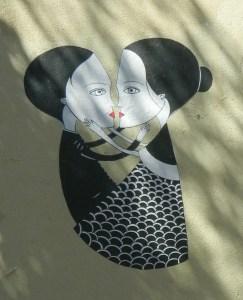 Kissers street art