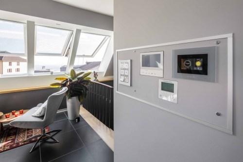 Henke Dachfenster für Rinteln - Roto Smart Home Designo i8