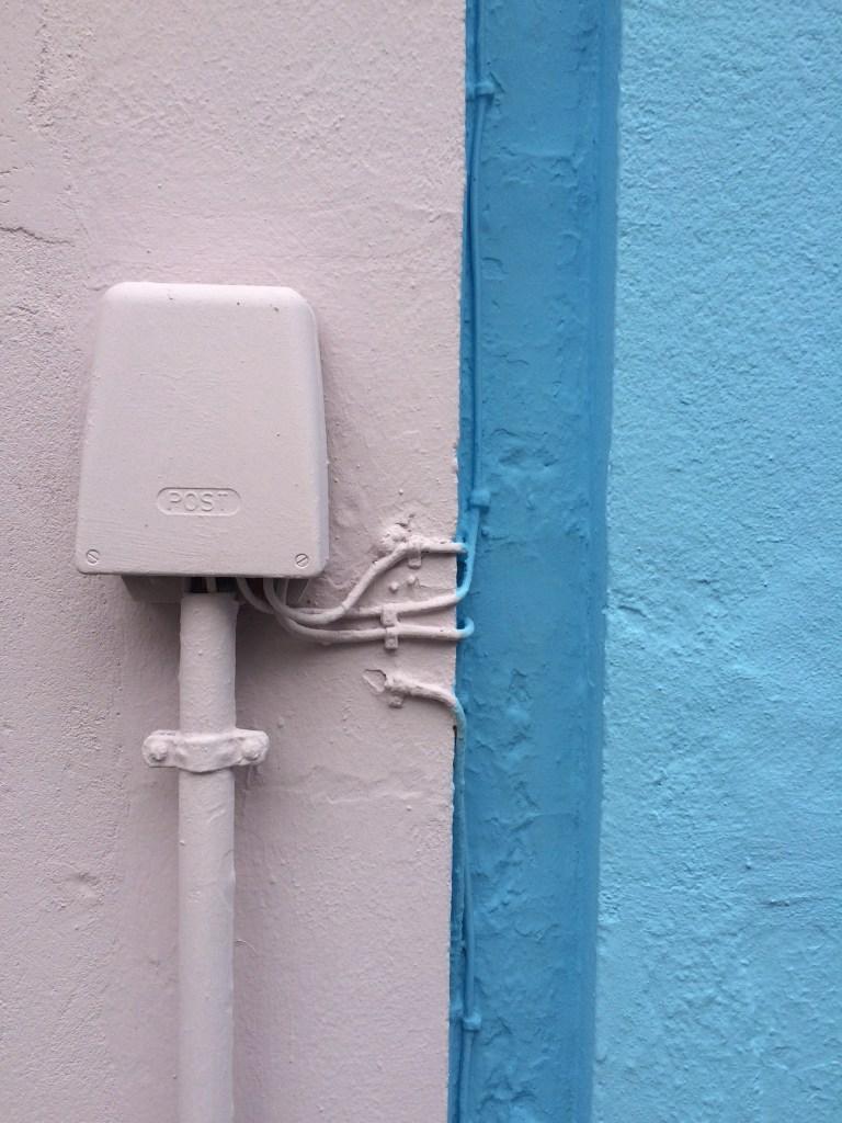 Rosa und blaue Wände
