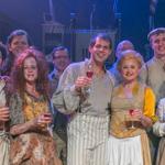 Première van de musical Sweeney Todd op 23 mei 2016. Op de foto: de cast