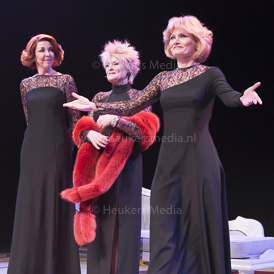 UTRECHT, THE NETHERLANDS. FEBRUARY 13, 2017. Ellen Pieters, Frederique Sluyterman van Loo en Hanneke Drenth a de premiere van De Grote Drie in Stadsschouwburg Utrecht.