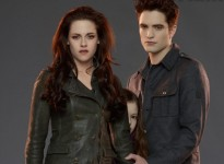Renesmee Twlight Breaking Dawn Part 2 e1339582134529 205x150 The First Look at Edward and Bellas Daughter in Twilight: Breaking Dawn Part 2