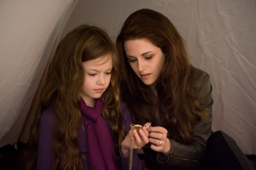 New Batch of Stills from Twilight Breaking Dawn   Part 2