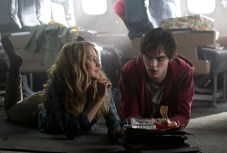 Teresa-Palmer-and-Nicholas-Hoult-in-Warm-Bodies
