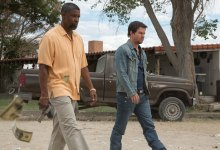 Denzel Washington and Mark Wahlberg in 2 Guns 220x150 First Look Image: Denzel Washington & Mark Wahlberg in 2 Guns