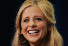 Sarah Michelle Gellar 220x150 Sarah Michelle Gellar set to return to TV in Untitled Sitcom