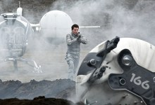 Tom Cruise in Oblivion 220x150 New Image of Tom Cruise in Joseph Kosinski's Oblivion & Trailer Arrives Tomorrow