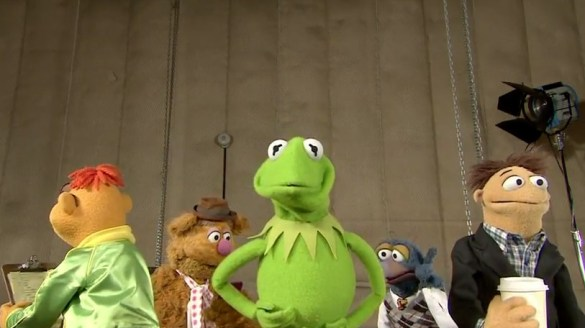 The Muppet Shake 585x328 The Muppets Take on The Muppet (Harlem) Shake