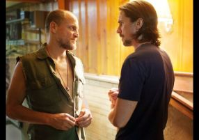Woody-Harrelson-and-Christian-Bale-in-Out-of-the-Furnace