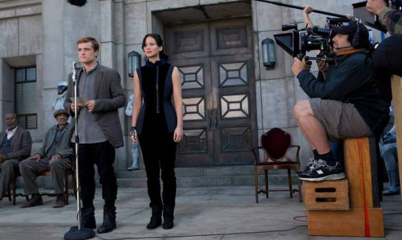 The Hunger Games Catching Fire 9 585x350 New Clips from The Hunger Games: Catching Fire – 'Training Center'