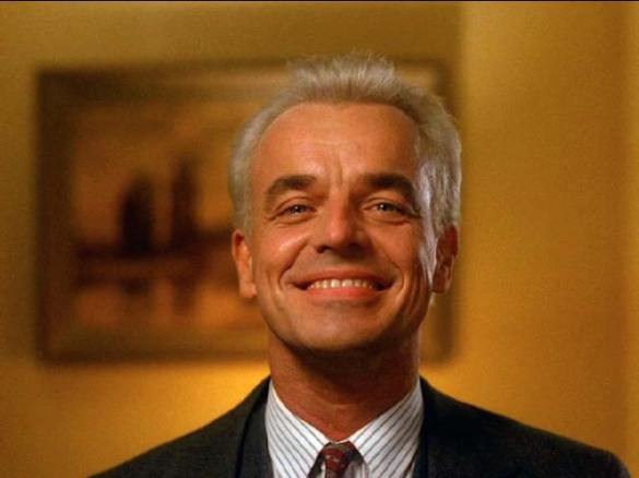 Ray Wise Twin Peaks 585x438 Ray Wise Confirms David Lynch directed a Twin Peaks Blu ray Promo