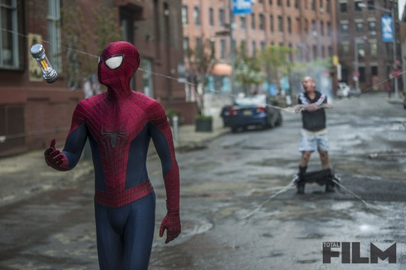 SpiderMan4 585x390 Seven New Stills from The Amazing Spider Man 2 Released