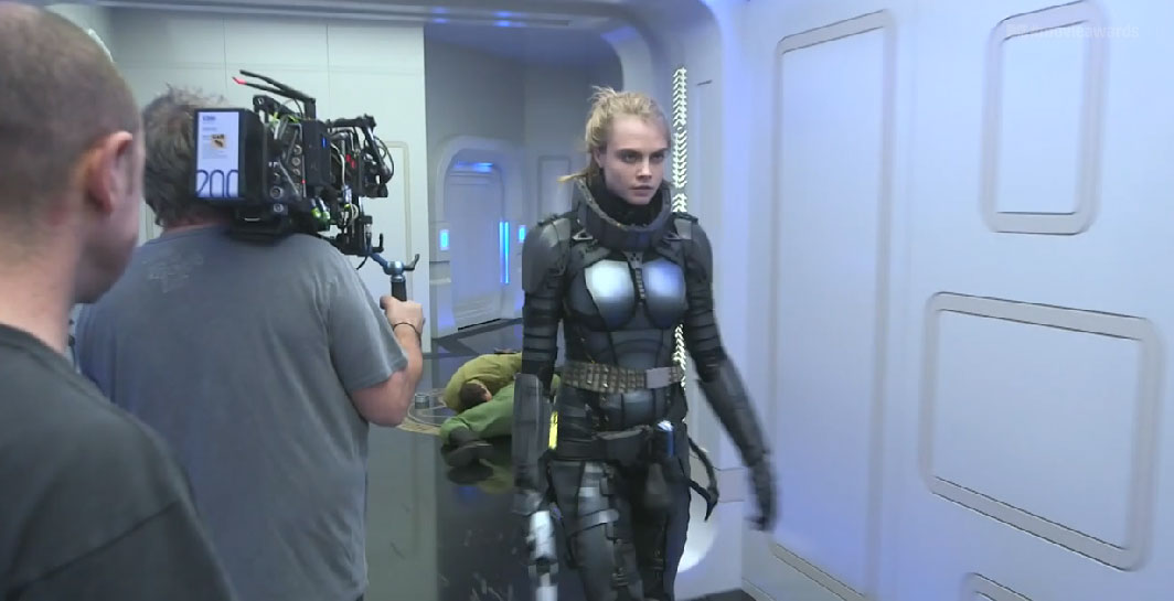 video cara delevingne and luc besson take us behind the scenes of valerian heyuguys. Black Bedroom Furniture Sets. Home Design Ideas