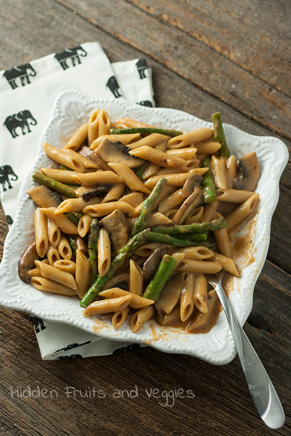 Penne with Asparagus and Portabella in a Creamy Vegan Tomato Sauce @hiddenfruitnveg