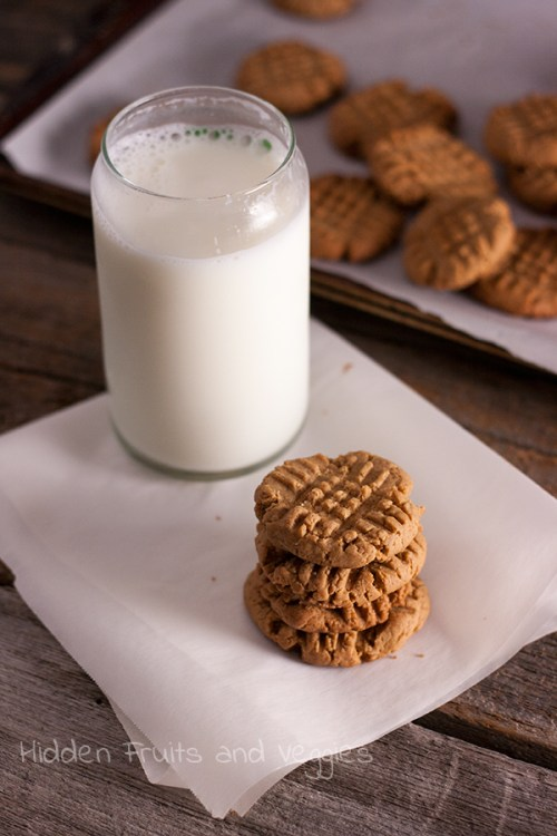 Vegan Peanut Butter Cookies with Agave @hiddenfruitnveg