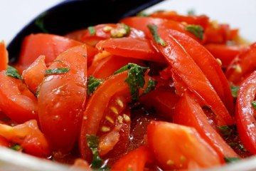 Marokkanischer Tomatensalat mit Minze