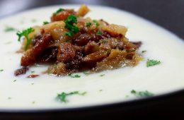 blumenkohlsuppe-mit-gorgonzola-und-birnen