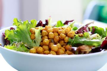 kichererbsen-salat-mit-sprossen