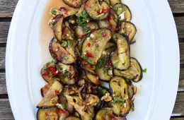 scharfer-thai-auberginen-salat