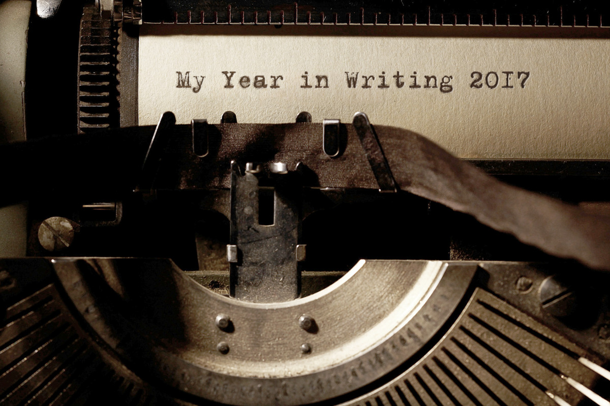 Want to do your own monthly writing recaps in 2017? Free graphics for you to use!