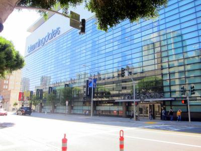 Bloomingdales's San Francisco, Mission Street entrance