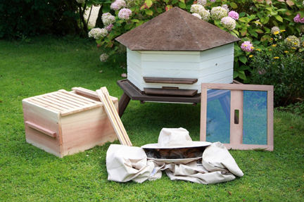 Natural Bee keeping kit available on Amazon from Wildlife World