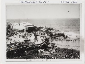 Wonderland City, Tamarama Beach Photo courtesy of the State Library of NSW